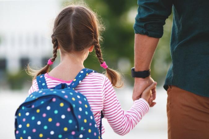 Cómo y cuándo cambiar a los niños de colegio