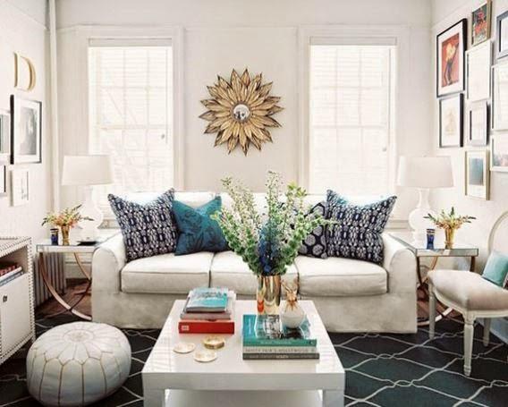 Model ruang tamu ukuran 3x3 yang nyaman dengan warna putih