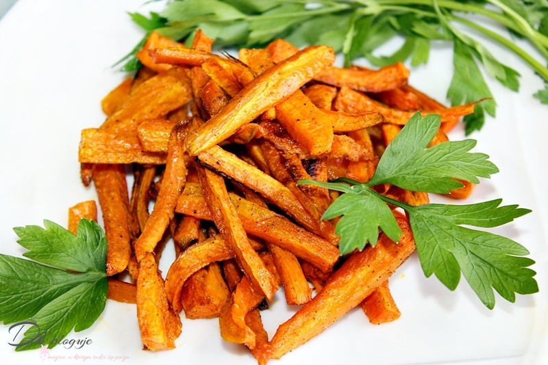 Pieczone frytki z marchewki