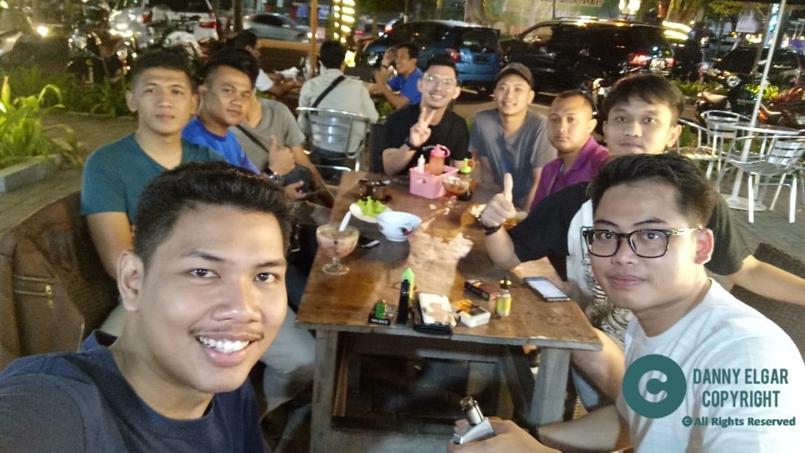 Kenyamanan malam hari di Pojok Sudirman Denpasar