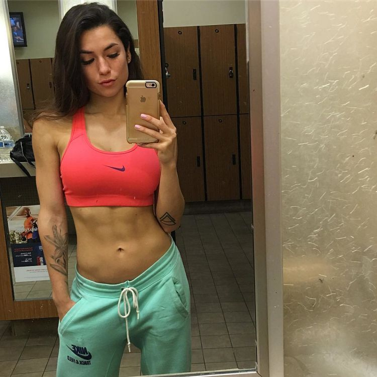 Luciana Alegre Fitness Model 6