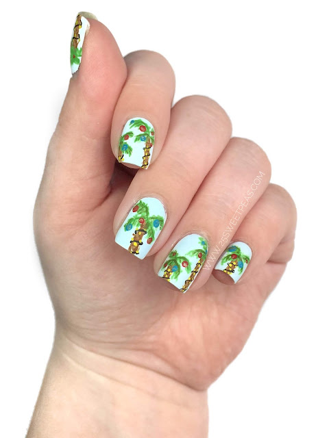 Christmas Palm Tree Nail Art