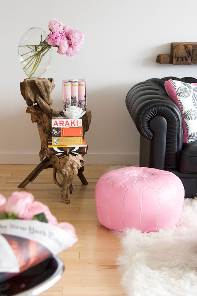 detalles del salón decorados en rosa