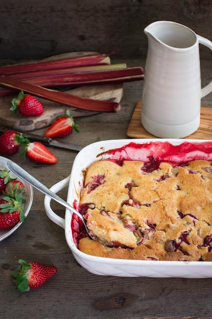 Cobbler rhubarbe, fraise
