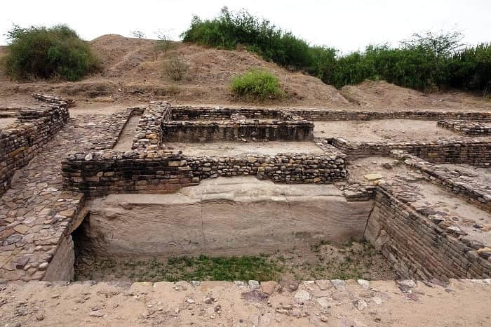 Dholavira : A Harappan City and Its Mysterious Sign Board - Mystery of Dholavira