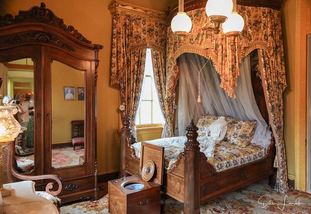 Valsin's Bedroom at San Fransico Plantation.