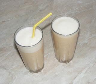 reteta smoothie de pepene galben si banane, sucuri, bauturi, sanatate, nutritie, diete, cure, regim, slabire, retete bauturi si sucuri naturale preparate acasa din fructe,