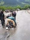 मध्य कश्मीर के गांदरबल में ट्रक की चपेट में आने से  बाइक पर सवार दो लोगो की मौत।