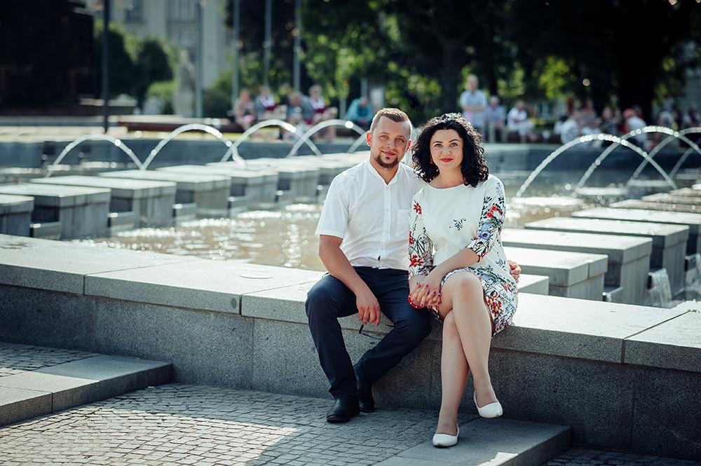 sesja narzeczeńska, Lublin, Plac Litewski, fontanna