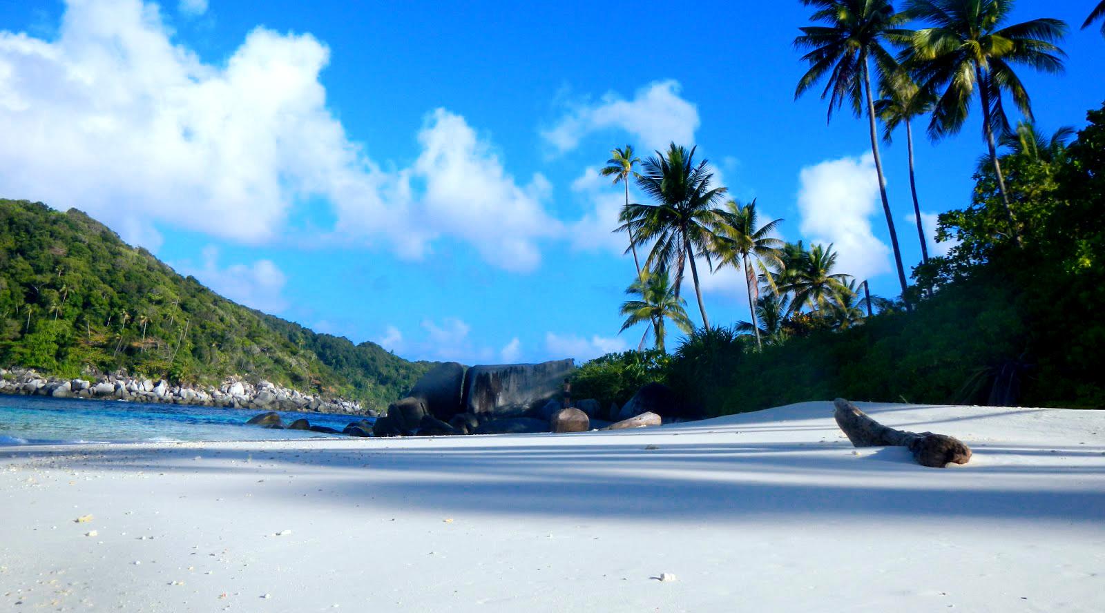 4 wisata di indonesia pulau Anambas indah dan pasir putih