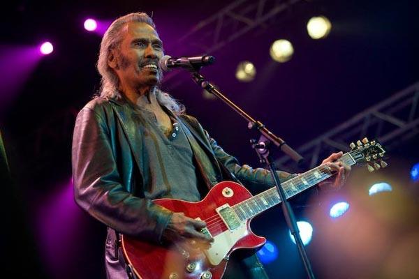 Gitaris Indonesia, gitaris hebat, gitaris terbaik, gitaris, andy tielman