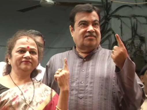 महाराष्ट्र और हरियाणा विधानसभा चुनाव के लिए मतदान जारी, गडकरी, सुप्रिया, योगेश्वर दत्त समेत कई दिग्गजों ने डाला वोट