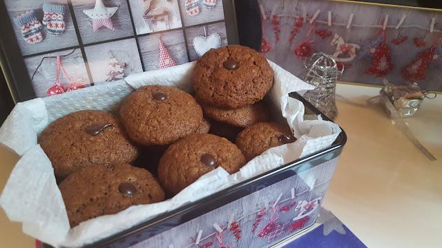 Бисквитки с меласа и овесени ядки - един по-различен коледен подарък