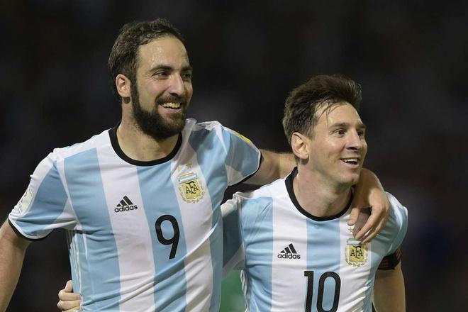 Higuain cảnh báo Messi về hậu vệ Premier League