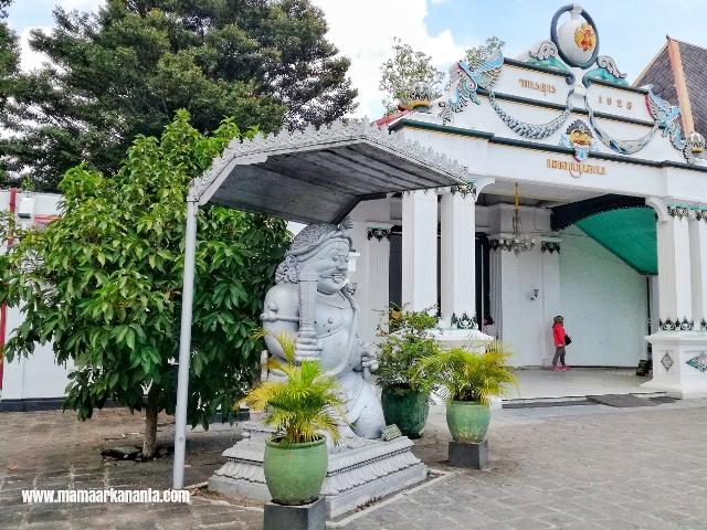 Mendadak Mengunjungi Wisata Keraton Yogyakarta Bersama Anak Anak Mama Arkananta