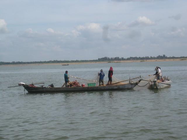 Fischerboot auf dem Mekong, Kambodscha