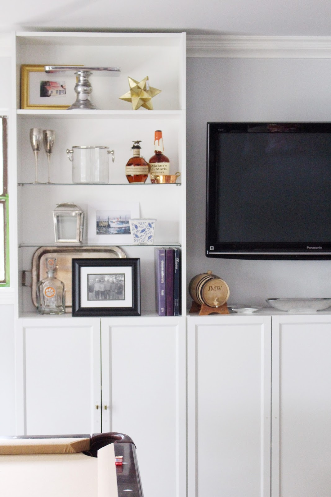 Things To Put On Shelves In Living Room Living Room Ideas