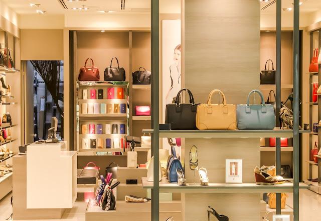 Rak display mall,wardrobe untuk mall