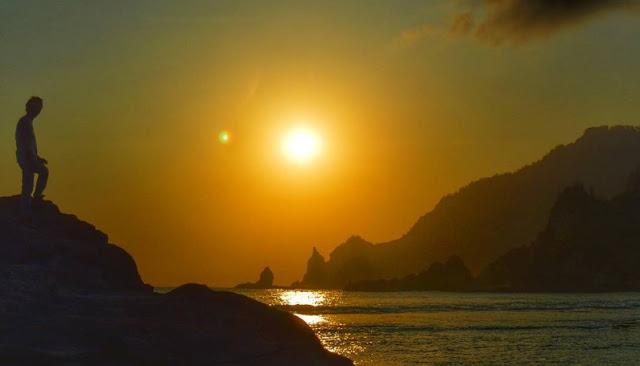 sunset-pantai-nampu