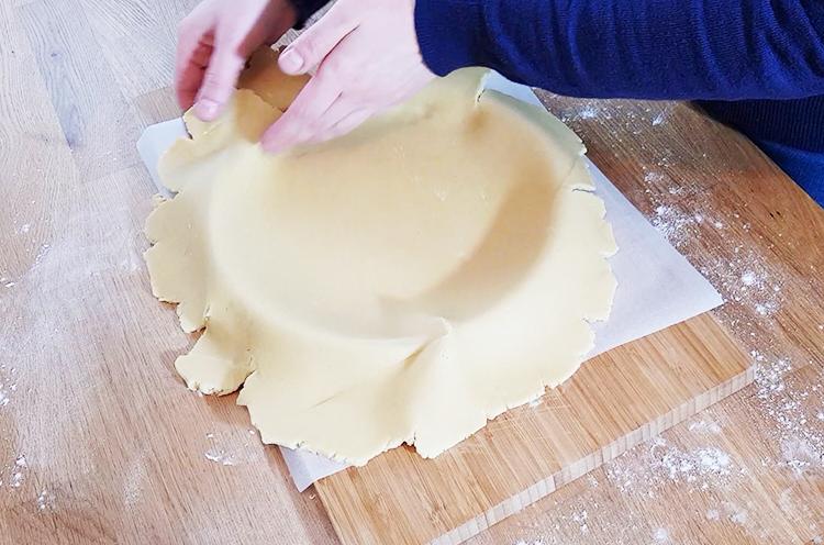 Foncer la pâte sablée
