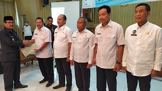 Serahkan DPA, Bupati Cirebon Ingatkan Penyerapan Anggaran