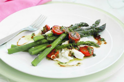 Asparagus and mozzarella salad recipe