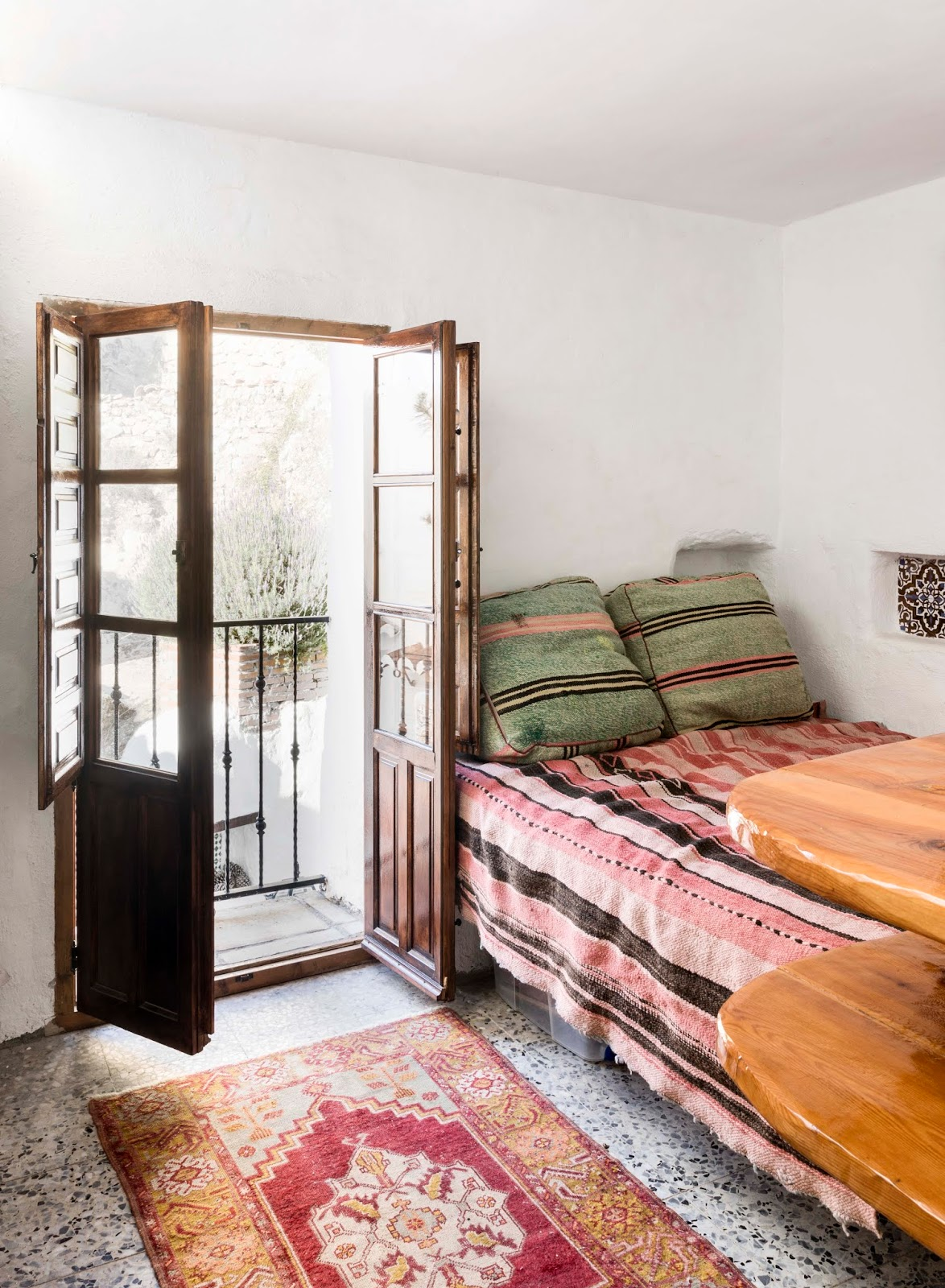 Canillas de Aceituno, Spain, holiday, rent, apartment, townhouse, rental, vacationhome, home, interior, spanish, style, interiorphotography, interior design, photographer, Frida Steiner, Visualaddict, visualaddictfrida, bedroom, bed, french balcony,pillows, colorful interior