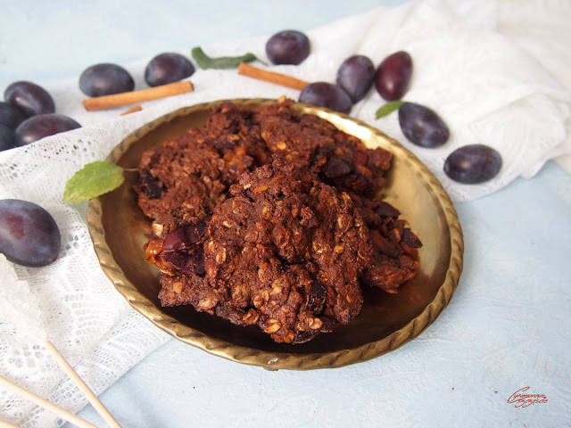 czekoladowe ciastka ze śliwkami
