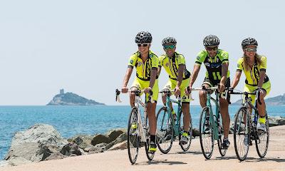 carbon road bike rental pula chia villasimius cycling sardinia italy