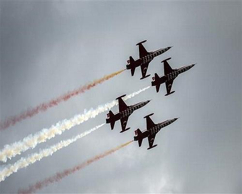 U.S. govt confirms payment for fighter jets