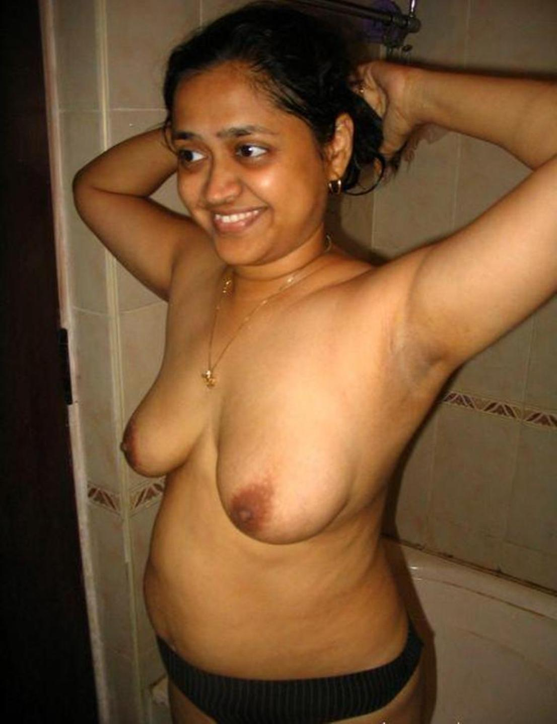 Nude Indian Desi Aunty