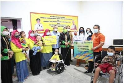LKKS Lampung Serahkan Bantuan ke LKS Anak Taman Surga