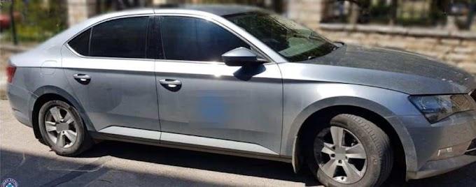 Συνελήφθη γυναίκα οδηγός ταξί στο Καρπενήσι για μεταφορά μη νόμιμων αλλοδαπών