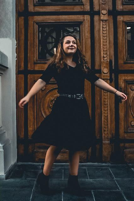 Rochie neagră Bonprix