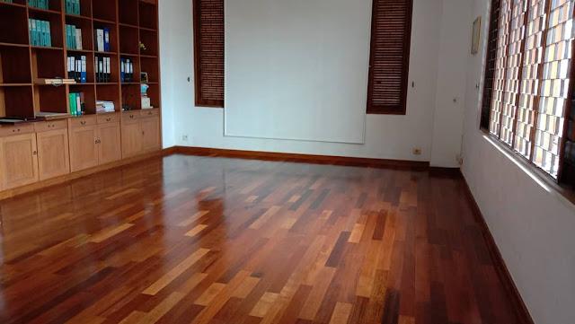 jenis kayu terbaik lantai merbau