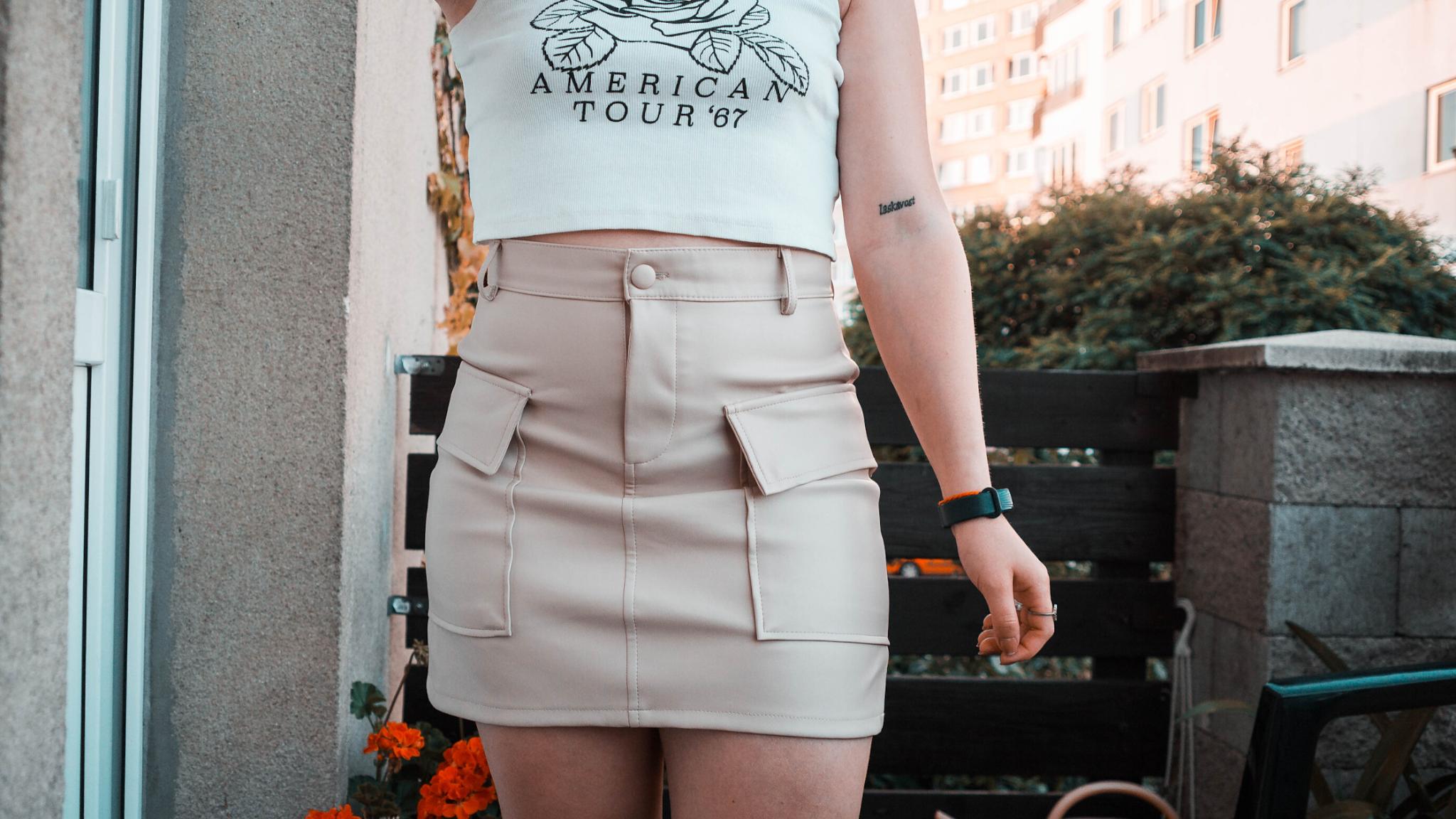 Béžová koženková sukně