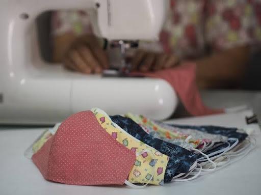 Faesc faz doações de materiais para costureiras voluntárias confeccionar máscaras