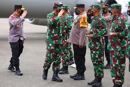 Hadi Tjahjanto dan Listyo Sigit Prabowo Kunjungi Papua di Tengah Kontak Tembak