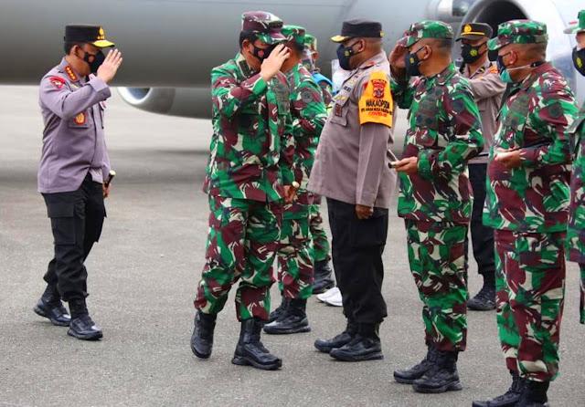 Hadi Tjahjanto dan Listyo Sigit Prabowo Kunjungi Papua di Tengah Kontak Tembak.lelemuku.com.jpg