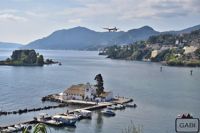 Obserwując samoloty na Korfu