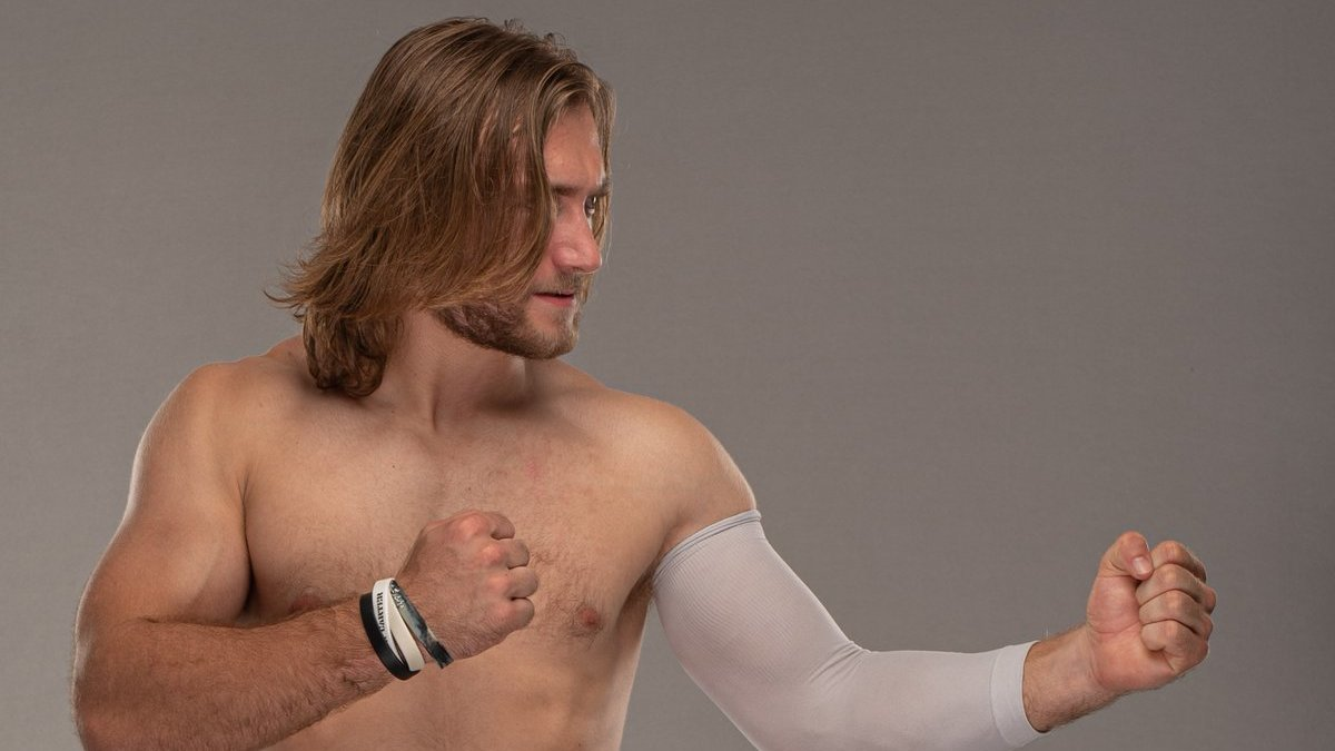 Revelada data de estreia de Ben Carter na WWE