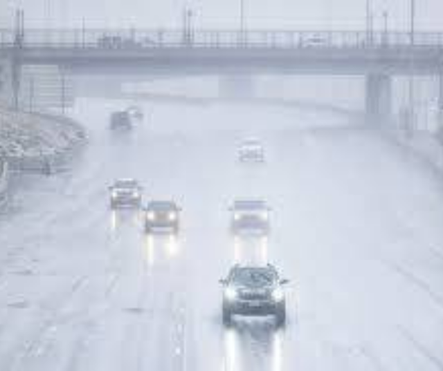 2,000 flights cancelled in Airport, Denver worse Weather condition as heavy snowstorm strikes, warning issued