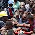 Mais de 100 crianças ficam soterradas após escola desabar na Nigéria