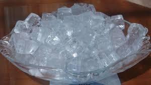 alhamdulillah kini kita sudah berada di bulan suci ramadhan Minum Air Es Saat Berbuka Puasa Adalah Kebiasaan Buruk