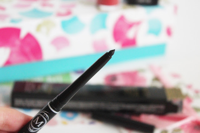 YesStyle, Korean Beauty Box - Sweet Spring Makeup Kit, czyli zestaw kosmetyków idealnych na wiosnę