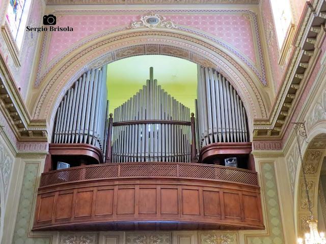 Close-up do órgão de tubos da Paróquia São Paulo da Cruz - Igreja do Calvário - Pinheiros - São Paulo