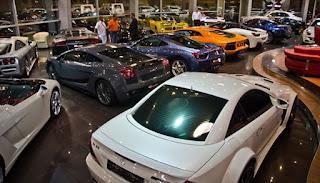 Tips Membeli Mobil Baru di Showroom
