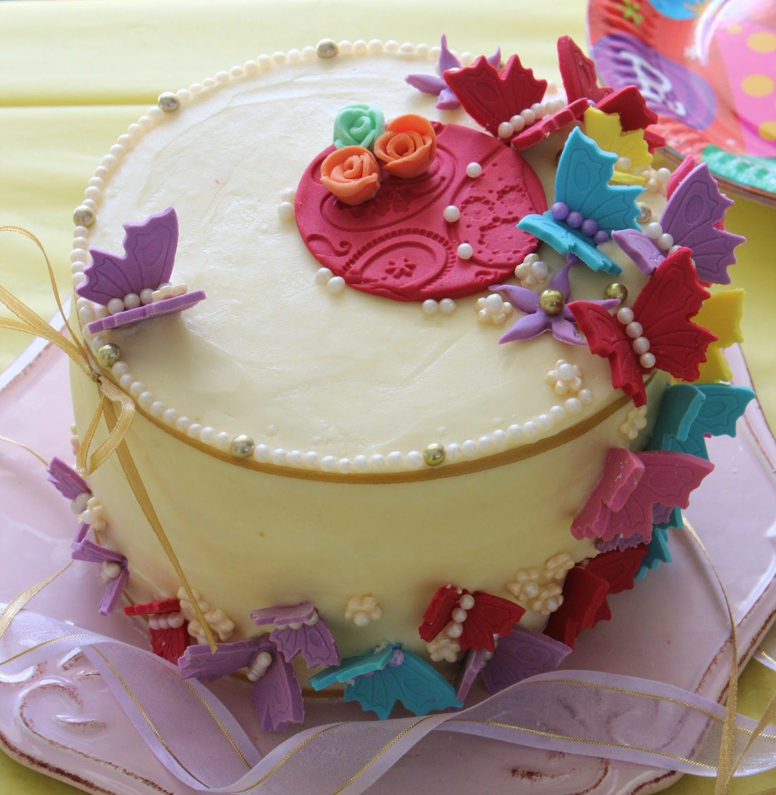 Pretty Birthday Cakes For Ladies