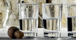Μαθητές Δημοτικού πήραν τσικουδιά για να πιουν στη σχολική εκδρομή - Κατέληξαν στο νοσοκομείο