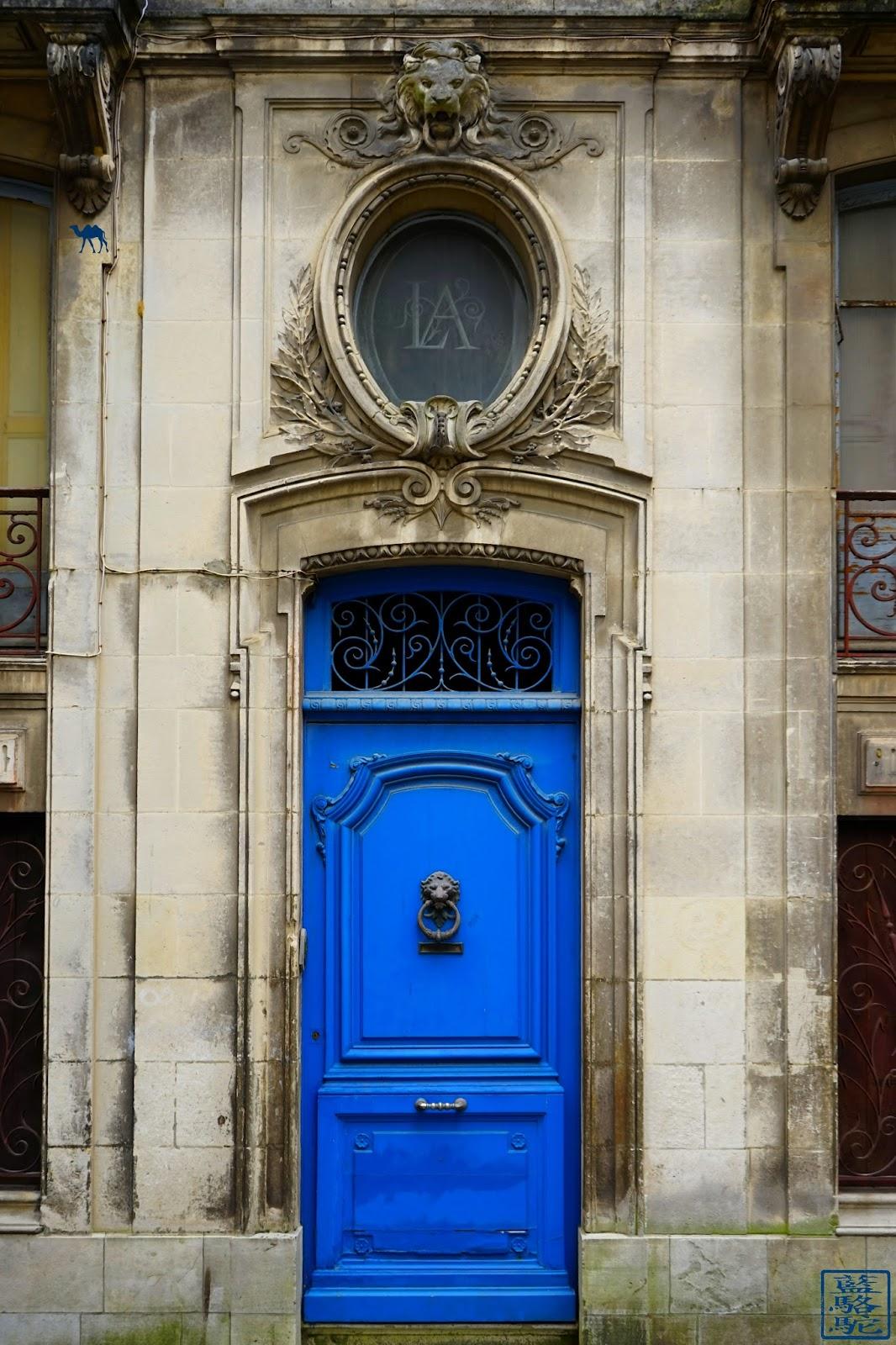 Le Chameau Bleu - Portes de bayonne